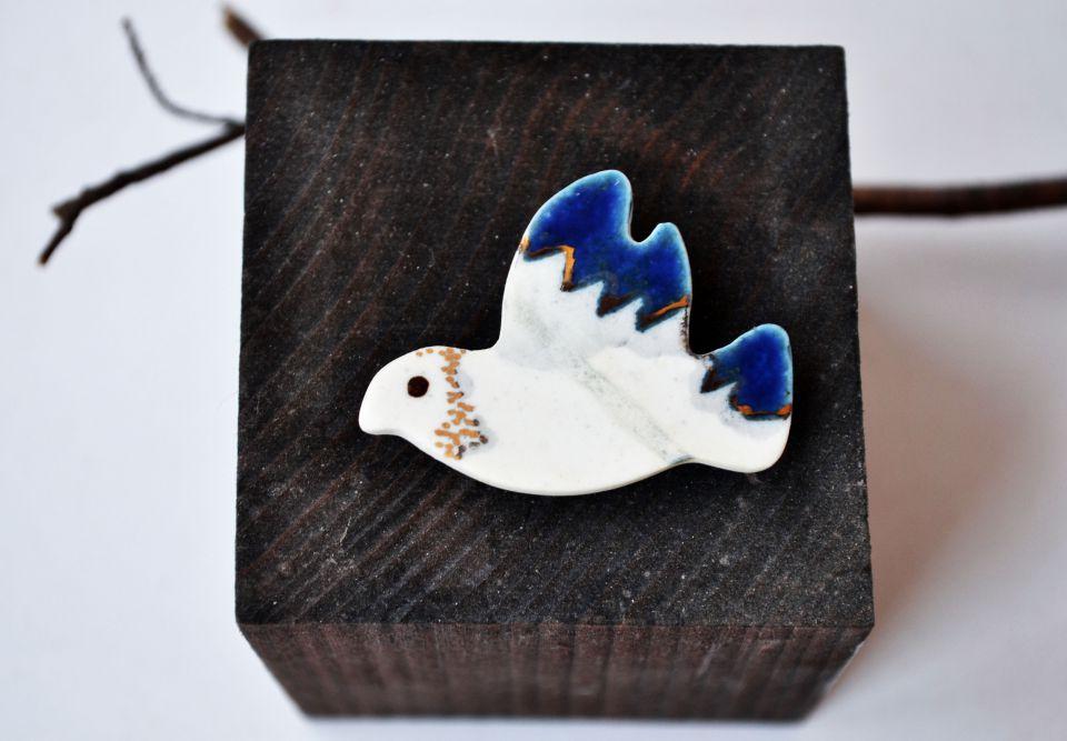 brosa di portelan,glazura albastra,luster argintiu si accente de aur lichid - TROPICAL BIRDs