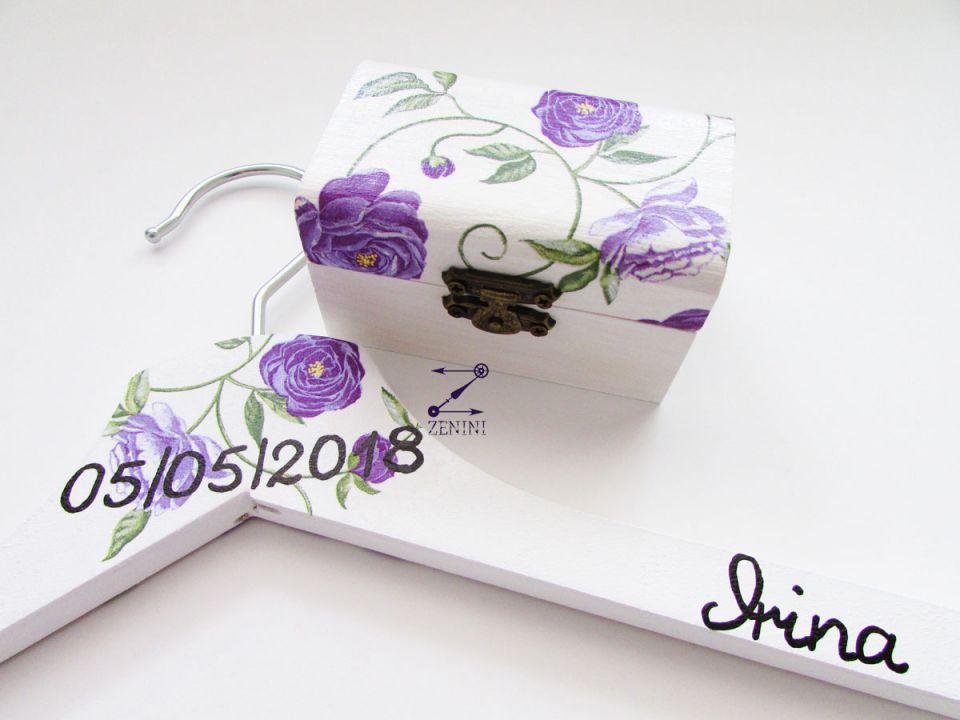 Set umerase miri si cutiuta verighete cu flori mov, umerase nunta mov, umerase miri personalizate