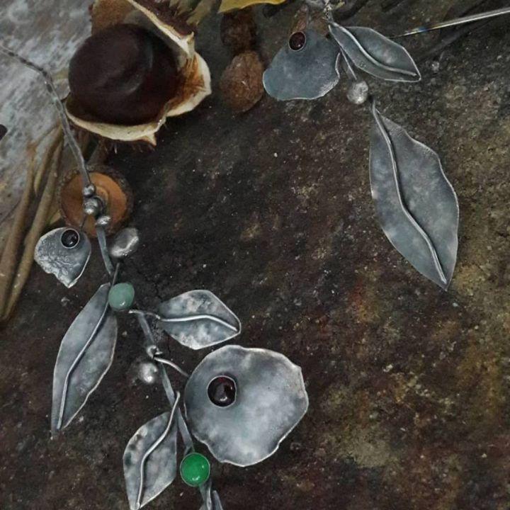 Colier supradimensionat din argint 925 si pietre semipretioase, crenguta inflorita