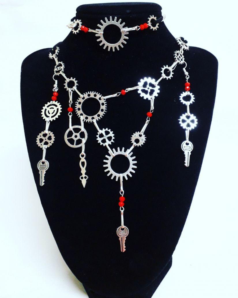 Set bijuterii Mecanism