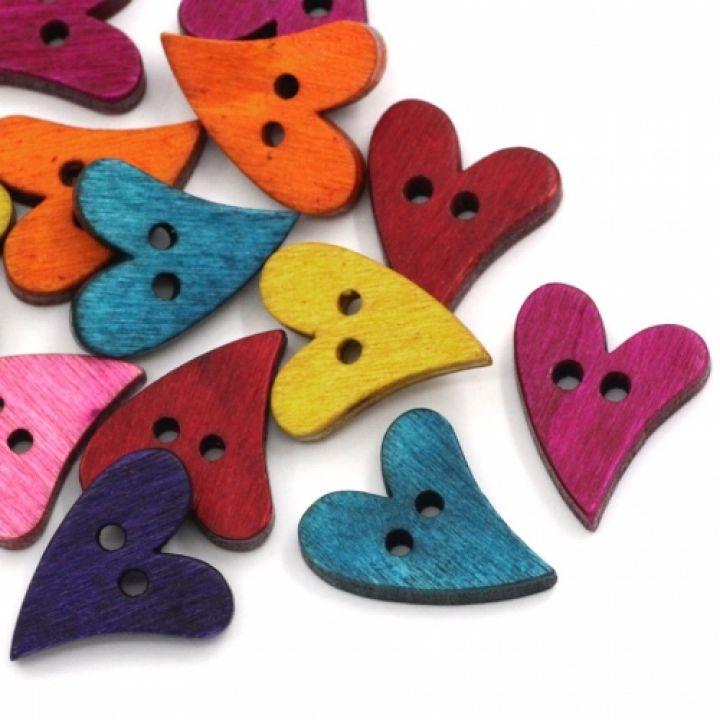 Nasturi din lemn, inimioare colorate