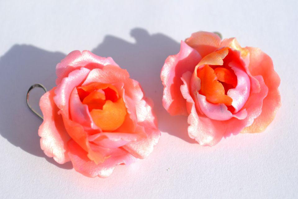 Cercei Trandafiri Roz cu Tortite de Argint 925