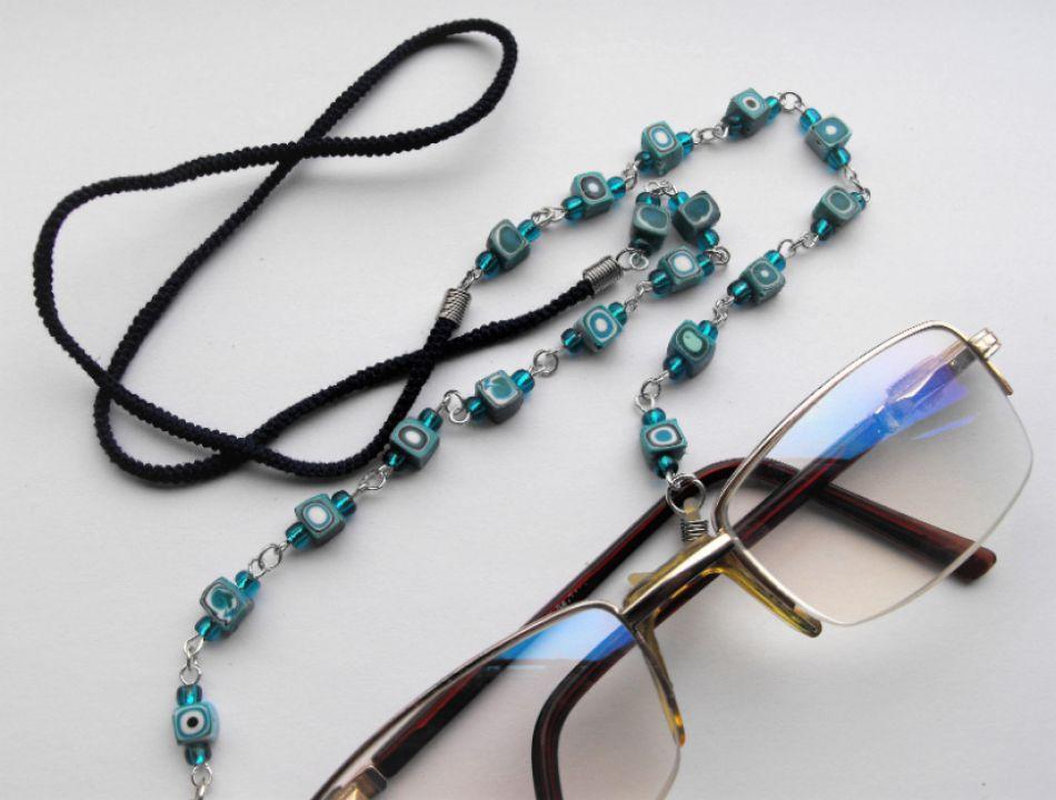 Lant ochelari din snur si margele  modelate manual din argila polimerica