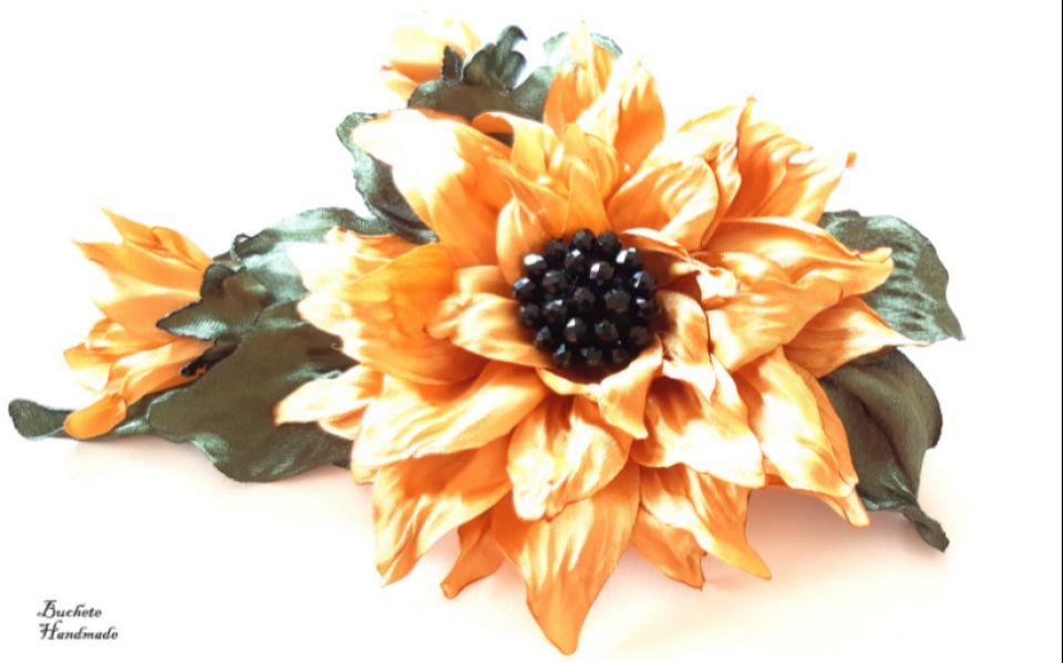Brosa/Aplicatie pentru rochie/Brosa floarea soarelui