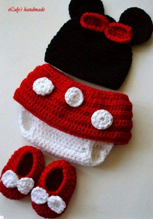 Costum crosetat Minnie Mouse