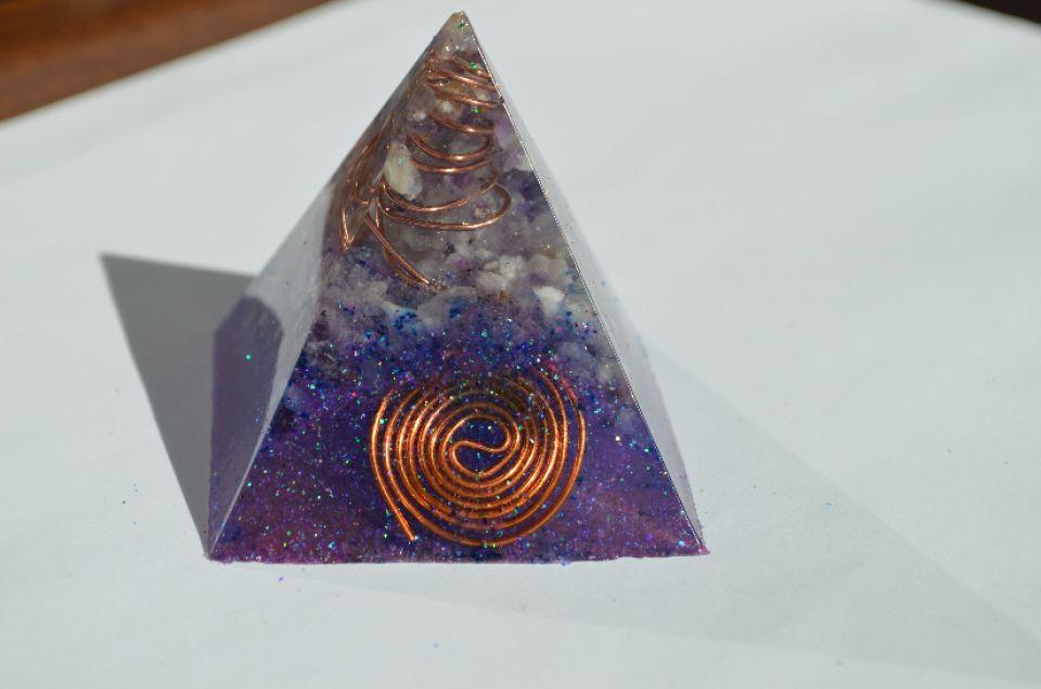 Piramida Ametist