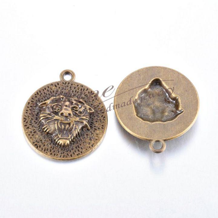 Pandantiv cap de leu, bronz antichizat