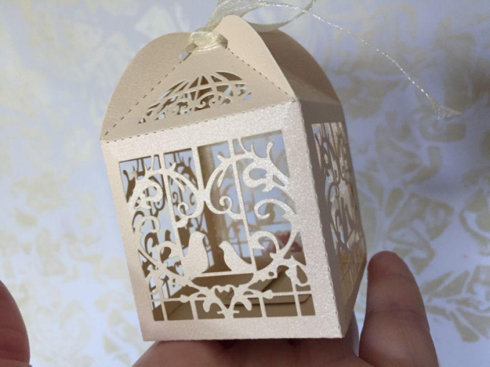 Cutiuta cadou (5x5x7,4cm)