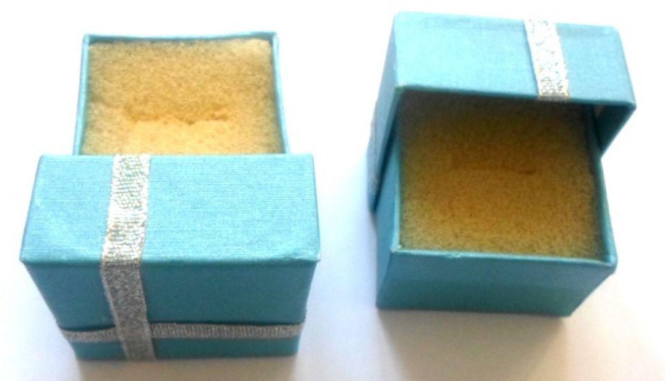 Cutie pentru inel blue cu banda argintie cu burete simplu