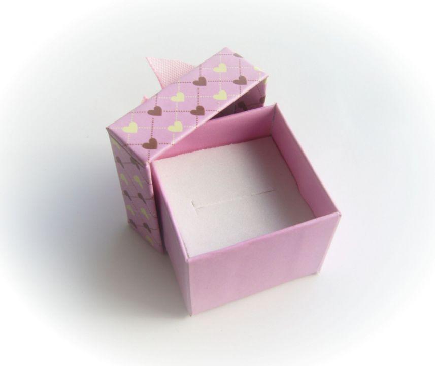 Cutie cadou roz pentru inel aprox 42x42x32 mm