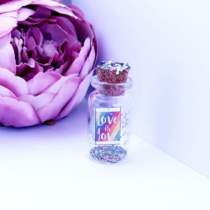 "Mesaj in sticla "" Love is love "", felicitare, mesaj motivational, message in a bottle, cadou prietena/ prieten, cadou iubita/ iubit, cadou sotie/ sot, cadou aniversare, Craciun, Valentine's day, martisor, marturii nunta"